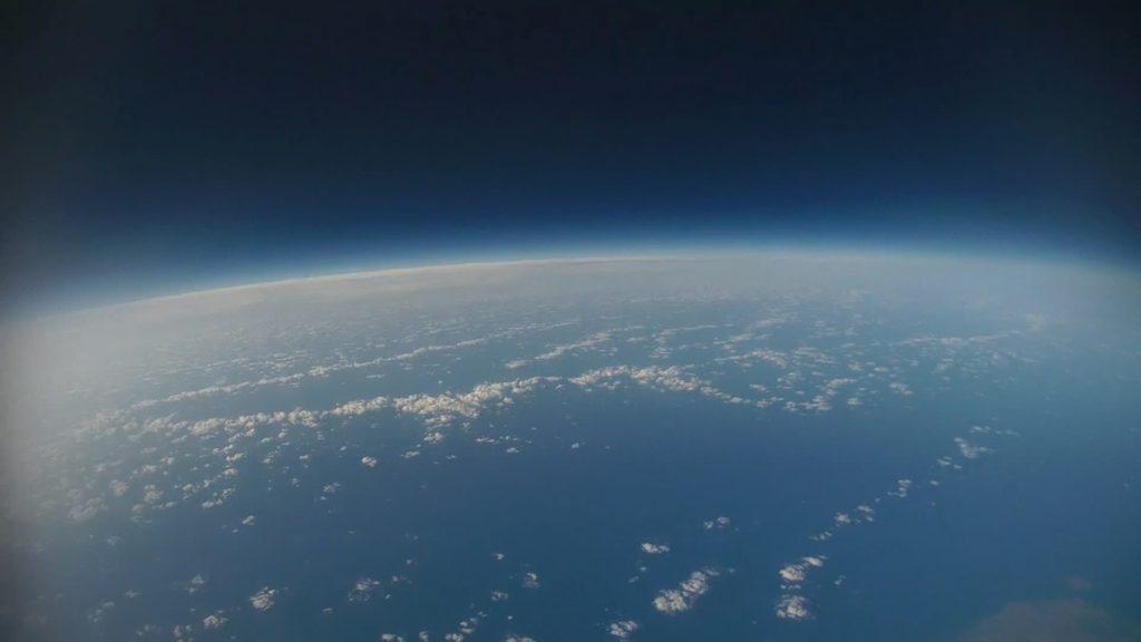 成層圏から撮影した地球